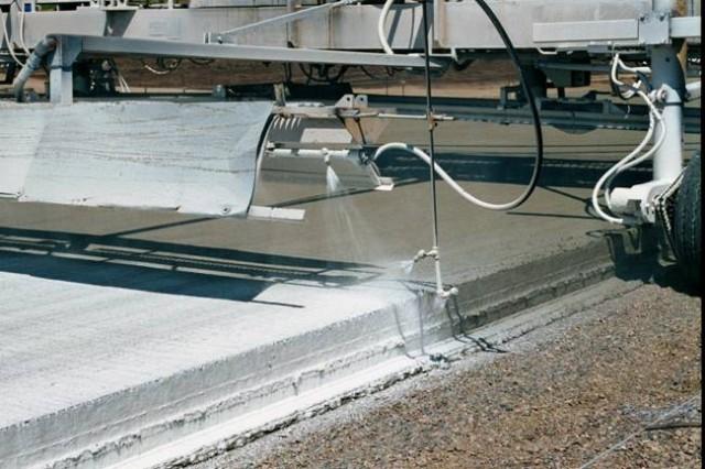 Защитные средства для свежеуложенного бетона